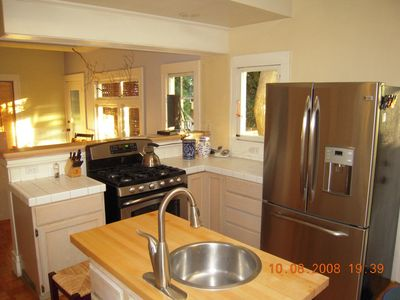 spacious fully stocked gourmet kitchen