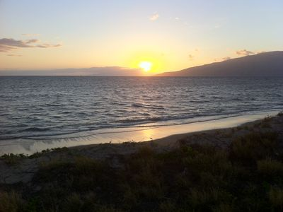 Sunset at Waipuilani Beach Park.