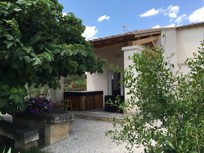 Gite du Petit Mandon-Arles-Crau-Camargue: a house for 5 people with spa