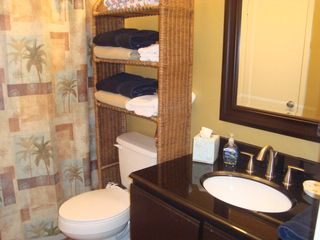 Orange Beach townhome photo - Upstairs Bath!