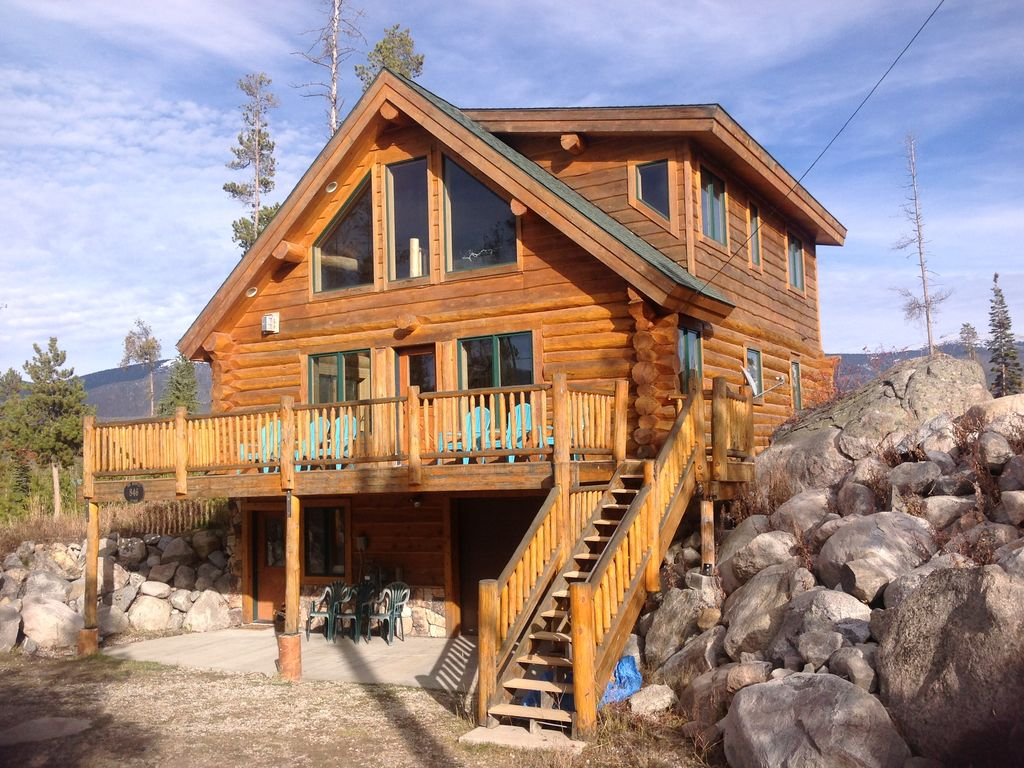 Modern log cabin minutes from rocky mountain vrbo for Modern cabin