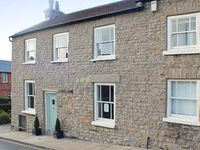 STRAWBERRY COTTAGE, country holiday cottage in Leyburn, Ref 21680