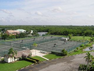 Bonita Springs condo photo - Clay Tennis Courts & Clubhouse