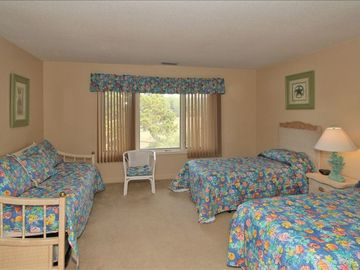 Large 3rd Level bedroom sleeps 4 great views of marsh from balcony!