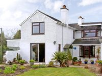 LITTLE BEECHES, family friendly, with a garden in Hengoed, Ref 2415