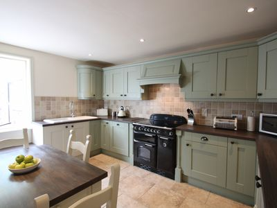 Tawny Cottage is an impressive 4 Bedroom Cottage Sleeps 8