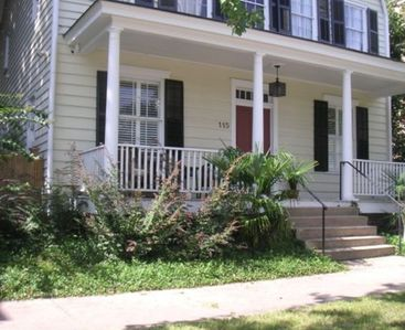 Savannah townhome rental - Beautiful significantly historic Hopkins House