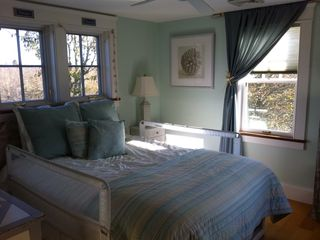 "Green Hill cottage photo - ""The Mermaid Bedroom"" Warmth And Cottage Charm"