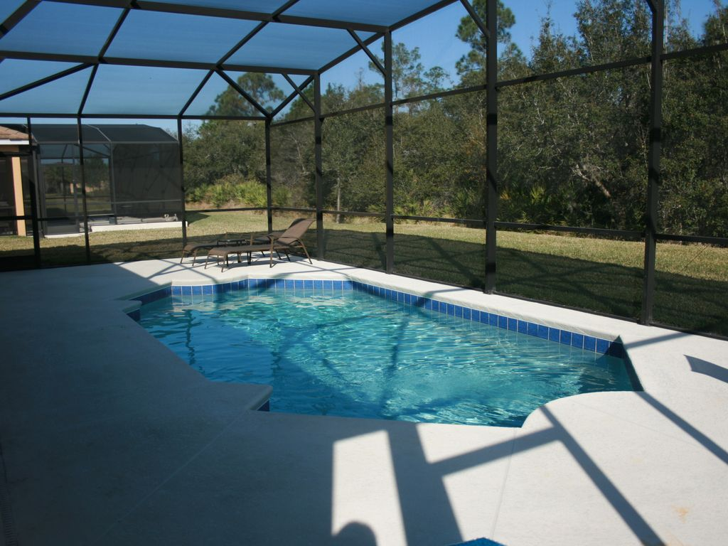 Luxury 5 br 4 ba home w pool game room vrbo for Luxury pool area