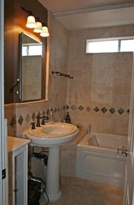Studio City house rental - Bathroom