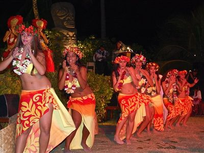 Don't forget to see the traditional Tahitian Dance. Unforgettable!
