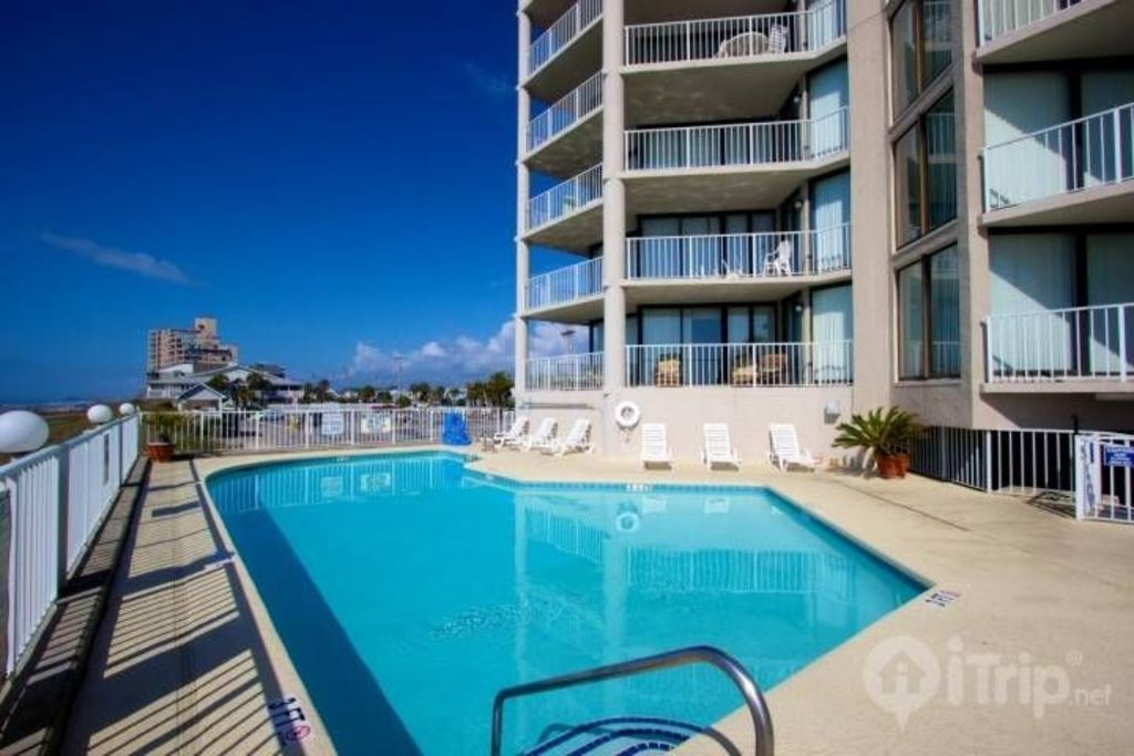 Luxuroius Oceanfront Condo Garden City Beach Vrbo