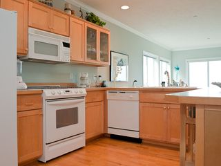 Depoe Bay condo photo - Sea For Two - Fully Equipped Kitchen