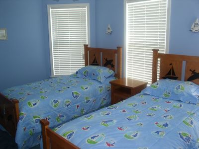 Montauk house rental - Twin Bedroom