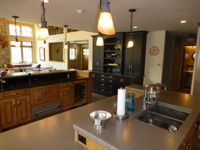 Vail house rental - Kitchen Island with Wine Cooler and Drawer Warmer