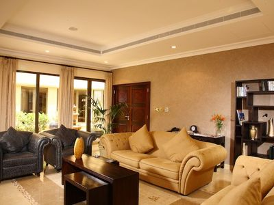 Palm Jumeirah villa rental - Living room