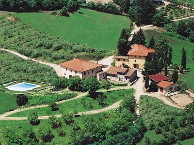 Cosy agriturismo amidst green Tuscany