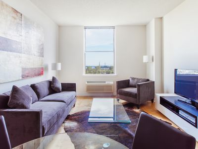 Beautiful 1 bedroom with Statue of liberty view !