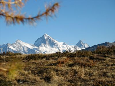 Crisp Fall Colors close to Veysonnaz with Dent Blanche and Matterhorn