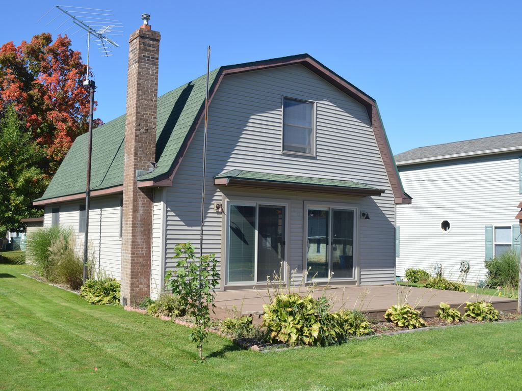 houghton lake heights single men 2br houghton lake heights cottage w/private yard for your next trip to northeastern michigan, reserve this terrific 2-bedroom, 15-bathroom houghton lake he.