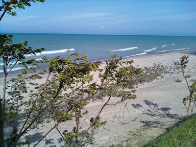 Enjoy a Great Lakes  vacation this summer on the shores of Lake Huron.