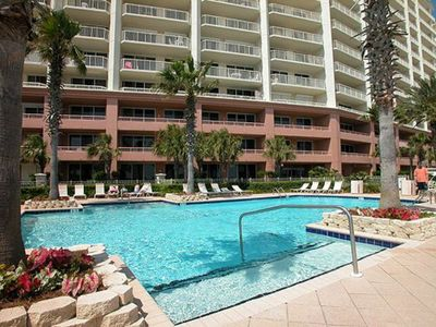 Doral Pool & jacuzzi is located at the foot of the tower.