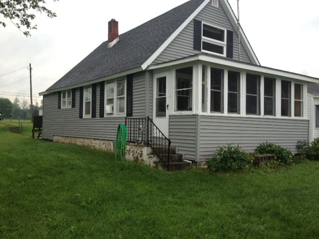 Renovated Lakefront Cottage