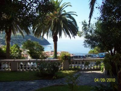 A SPECIAL HOLIDAY IN AN EXCLUSIVE RESIDENCE WITH SWIMMING POOL  CLOSE TO 'CINQUE TERRE'