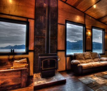 Beautiful Granite Point Mountain Lodge on Resurrection Bay!