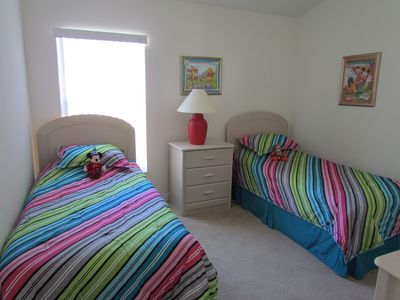 Cumbrian Lakes villa rental - One of the twin bedrooms