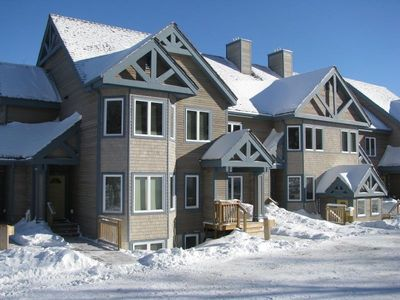 Beautiful, modern condo, just steps from the Piste...