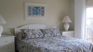Sanibel Island condo photo - master bedroom with king bed