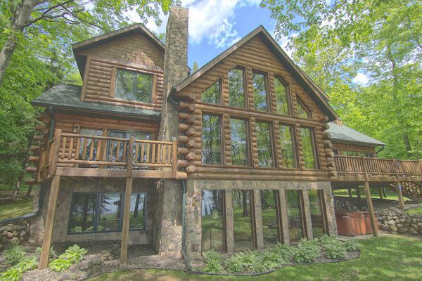 5 bedroom upscale wilderness log cabin home vrbo for 5 bedroom log homes