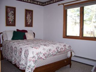 Cape May house photo - 2nd Bedrm w double bed,large closet. flat screen TV w/built in DVD