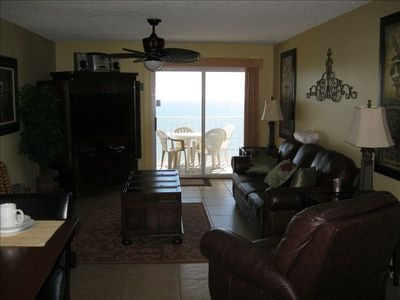 Welcome to Our Fantastic Gulf Front View and Condo...Note Recliner