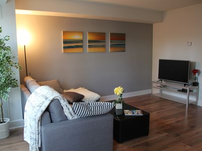 Large & Cozy Condo at the Heart of Downtown Toronto