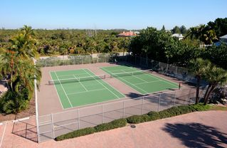 Sanibel Island condo photo - Tennis courts at Pointe Santo