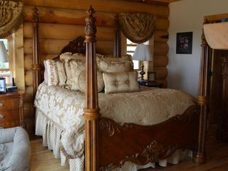 Florissant cabin photo - Elegant master bedroom
