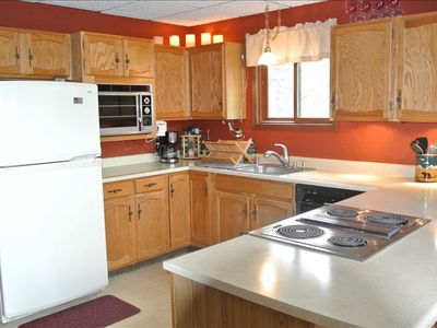 Lake Blaine chalet rental - Full Kitchen
