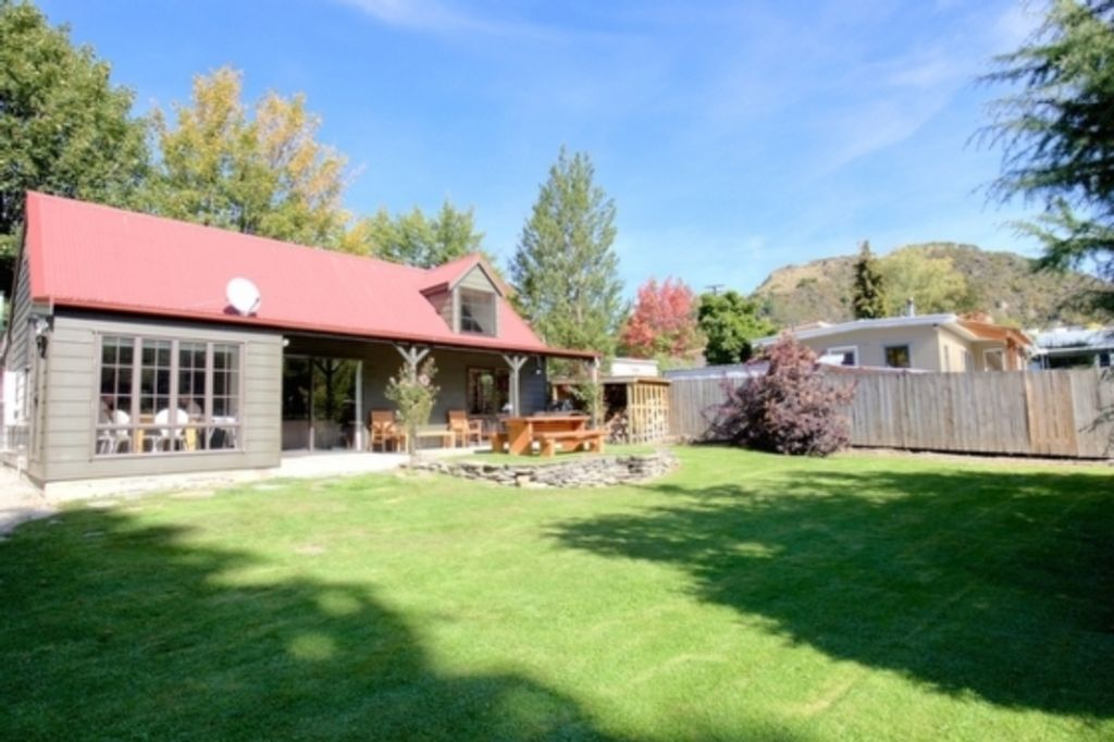 The Red Cottage Arrowtown Holiday Home Vrbo