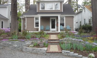 """Cozy Bungalow Near University Of Richmond, Shopping, Dining, And """"the Avenues."""""""