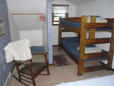 Bunkbed in second upstairs bedroom