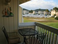 Cozy Updated 1BR on 9th hole/Pool view with FREE Beach Service!