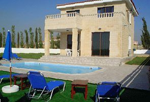 Luxury villa with pool and superb views of the sea and the sunset