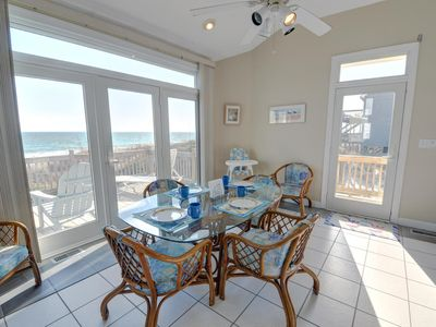 Dining Area with gorgeous ocean view.