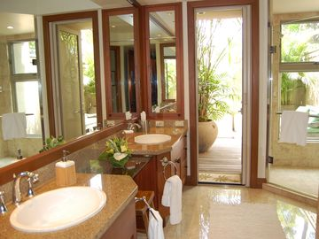 master bathroom / leads to outdoor shower garden & has large bathtub