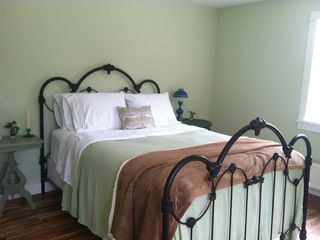 Mount Desert cottage photo - Upstairs queen bedroom