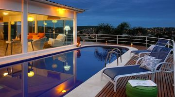 Ferradura house rental - Pool by night
