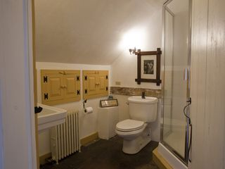 Hudson Highlands farmhouse photo - Master bedroom bathroom w shower