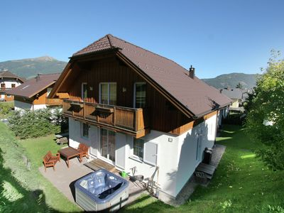 Luxurious chalet with sauna and jacuzzi in the lovely village of St. Margarethen